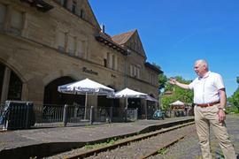 Neue Chance für eine Anbindung des Maulbronner Stadtbahnhofs? Der VCD-Landesvorsitzende Matthias Lieb glaubt daran.