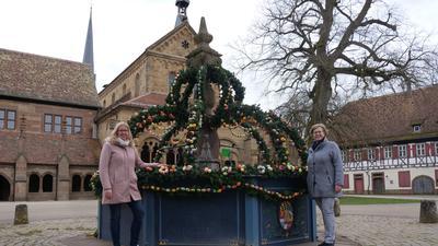 Alexandra Müller (links) und Petra Mohr sind erleichtert, dass das Kloster in Maulbronn wieder für Besucher öffnen kann.