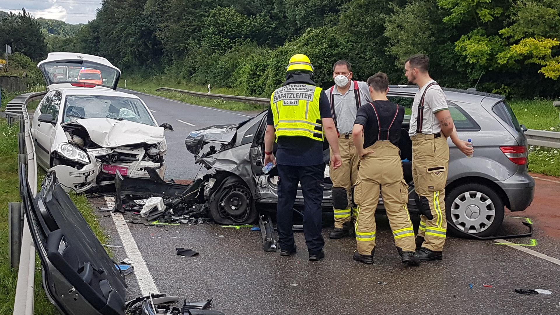 Unfall auf B10 bei Mühlacker-Enzberg