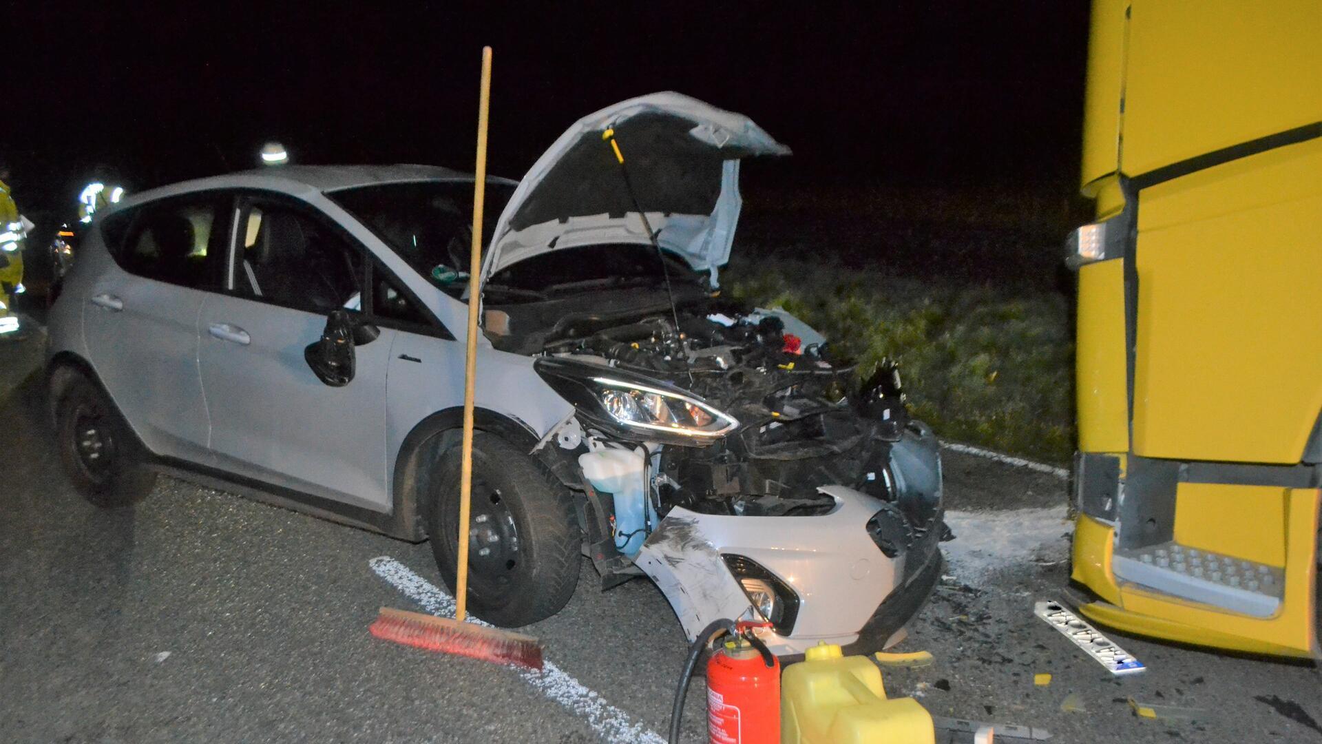 Der Lkw konnte nach dem Unfall die Fahrt fortsetzen.