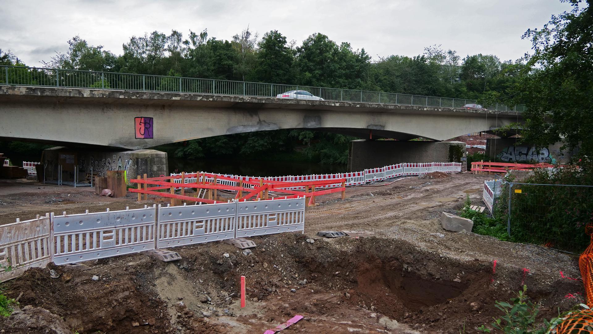 Die Arbeiten an der Enzbrücke in Niefern kommen laut Regierungspräsidium gut voran