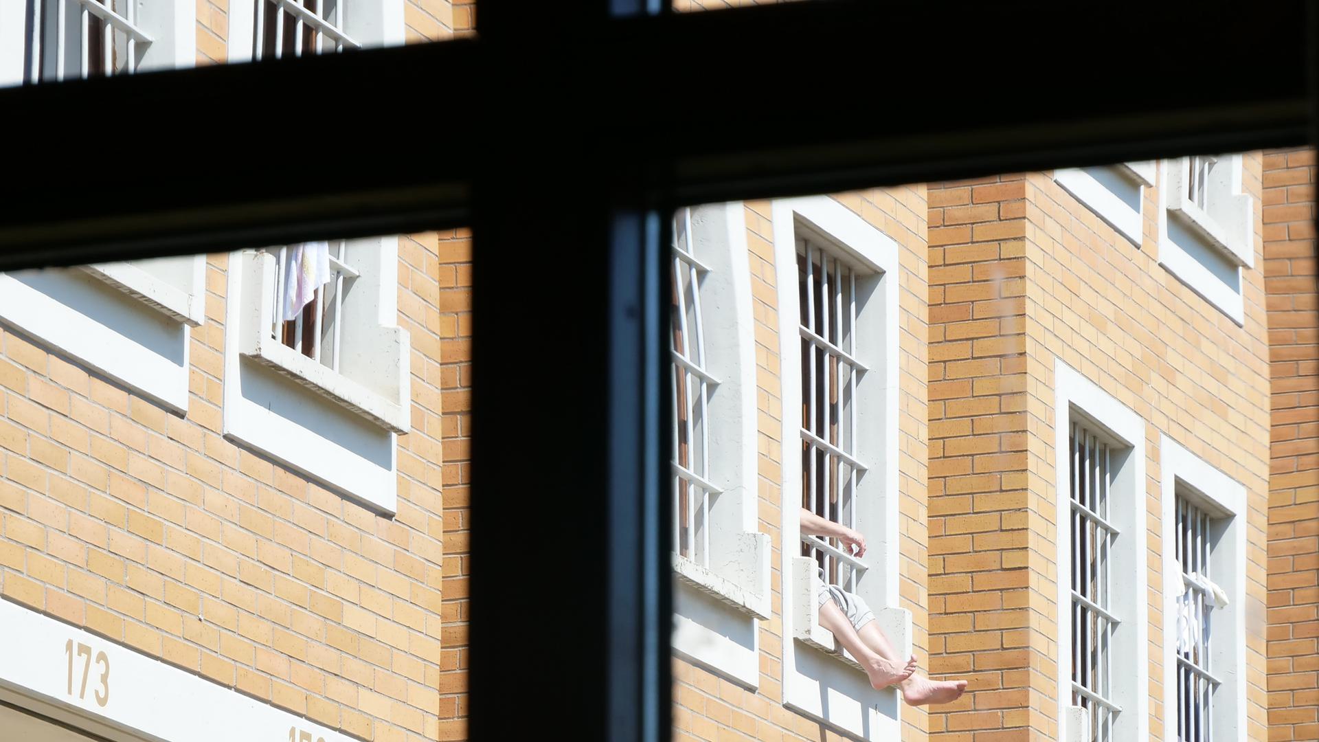 """Der Mann aus Gambia, den MdL Erik Schweickert als """"gambischen Unruhestifter"""" beschreibt, sitzt derzeit in der JVA Heimsheim hinter Gittern und soll abgeschoben werden, sobald alle Ausreisedokumente vorliegen"""