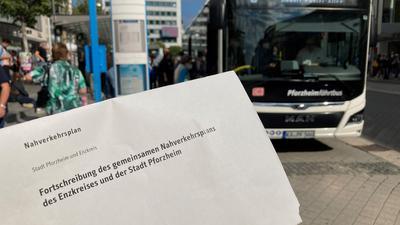 Machen sich für den Nahverkehr stark: Acht Busunternehmer aus der Region wenden sich mit einem zehnseitigen Papier an die Pforzheimer Gemeinderäte und sprechen sich unter anderem gegen die Auflösung des VPE aus.