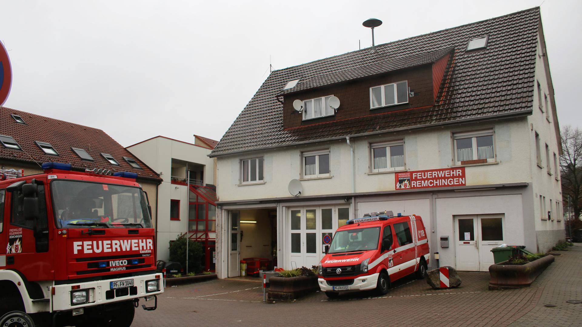 Nicht mehr zukunftsfähig ist das in die Jahre gekommene und beengte Nöttinger Feuerwehrhaus. Nach jahrelangen Neubau-Plänen gibt es jetzt Überlegungen einer zweiten Zusammenlegung der Remchinger Feuerwehr.
