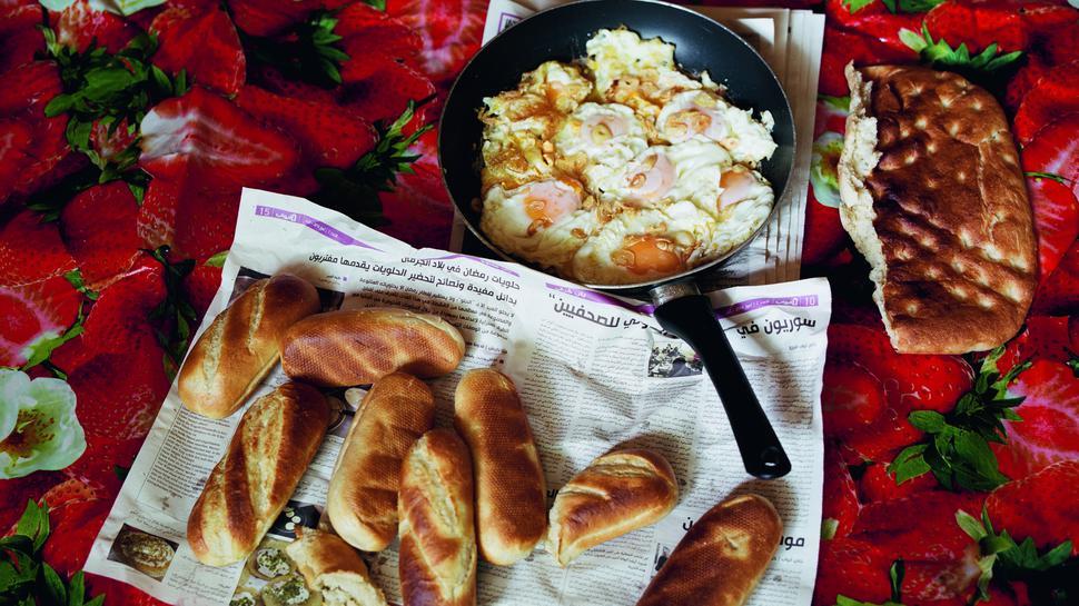 "Frühstück, Juli 2016 Breakfast, July 2016 aus der Serie ""Holzbachtal, nothing, nothing"" , 2015-2018"