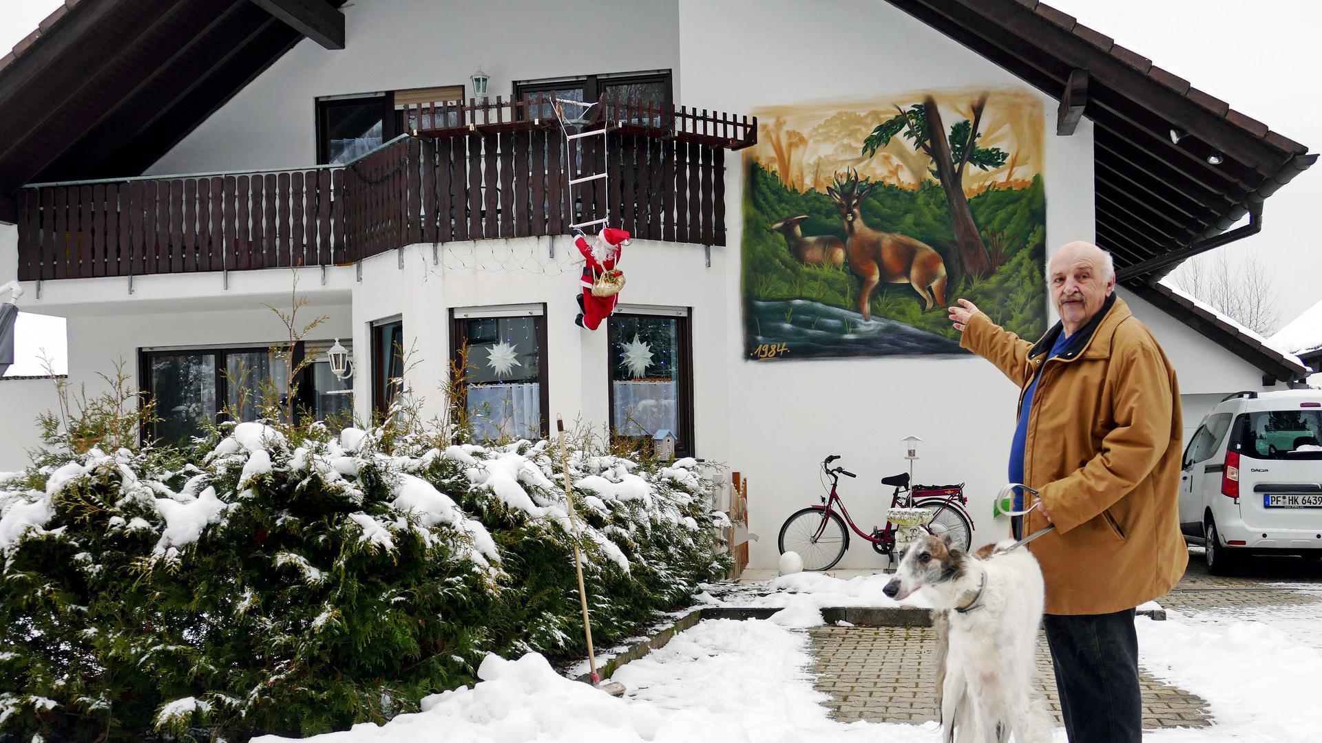 Da oben ist die Ferienwohnung, die der Dennacher Heinz Keller eine Woche kostenlos für Intensivpflegepersonal zur Verfügung stellen will.