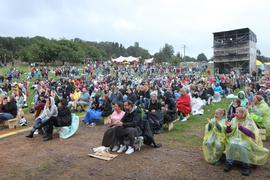 Ein bisschen Festival-Feeling: Mit maximal 1.500 Besuchern geht noch bis diesen Montagabend das Happiness-Festival in Schwann über die Bühne.