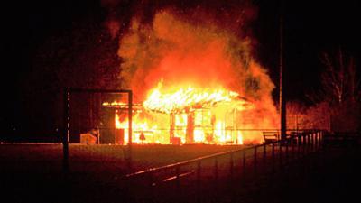 Der Holzpavillon auf dem Gelände des Pforzheimer Fußballvereins FC Fatihspor brannte ab.