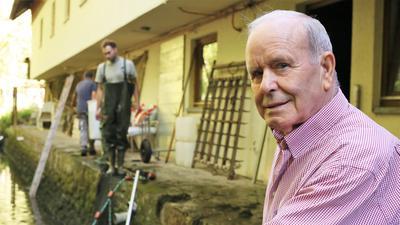 Seniorchef Hans Zordel hatte Ende der 1950er-Jahre die Idee für eine Forellenzucht an der Eyach.