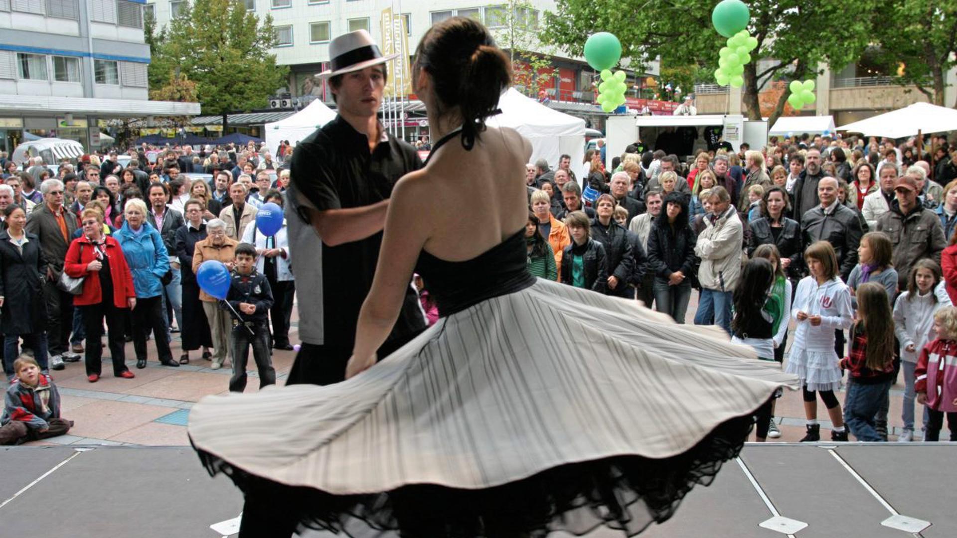 """Das Coronavirus trifft nun die ersten prominenten Großveranstaltungen in Pforzheim. Nach langen Beratungen hat die Stadtverwaltung am Mittwoch das """"Goldstadtfieber"""" mit verkaufsoffenem Sonntag abgesagt."""