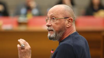 Uwe Hück spricht im Gemeinderat Pforzheim
