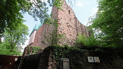 Ein neues Quarantäne-Gemauer für Müller-Fleisch-Mitarbeiter gibt es mit der Burg Rabeneck in Dillweißenstein.