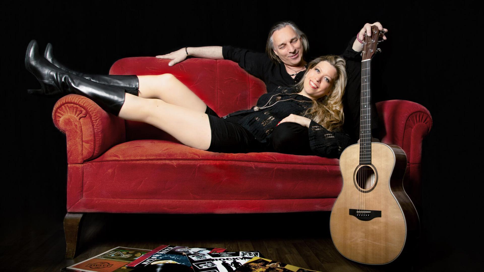 """Obwohl es das Duo """"No Bacon"""" erst seit knapp vier Jahren gibt, sind Sonja und Peter Priehn keine Unbekannten in der regionalen Musikszene."""