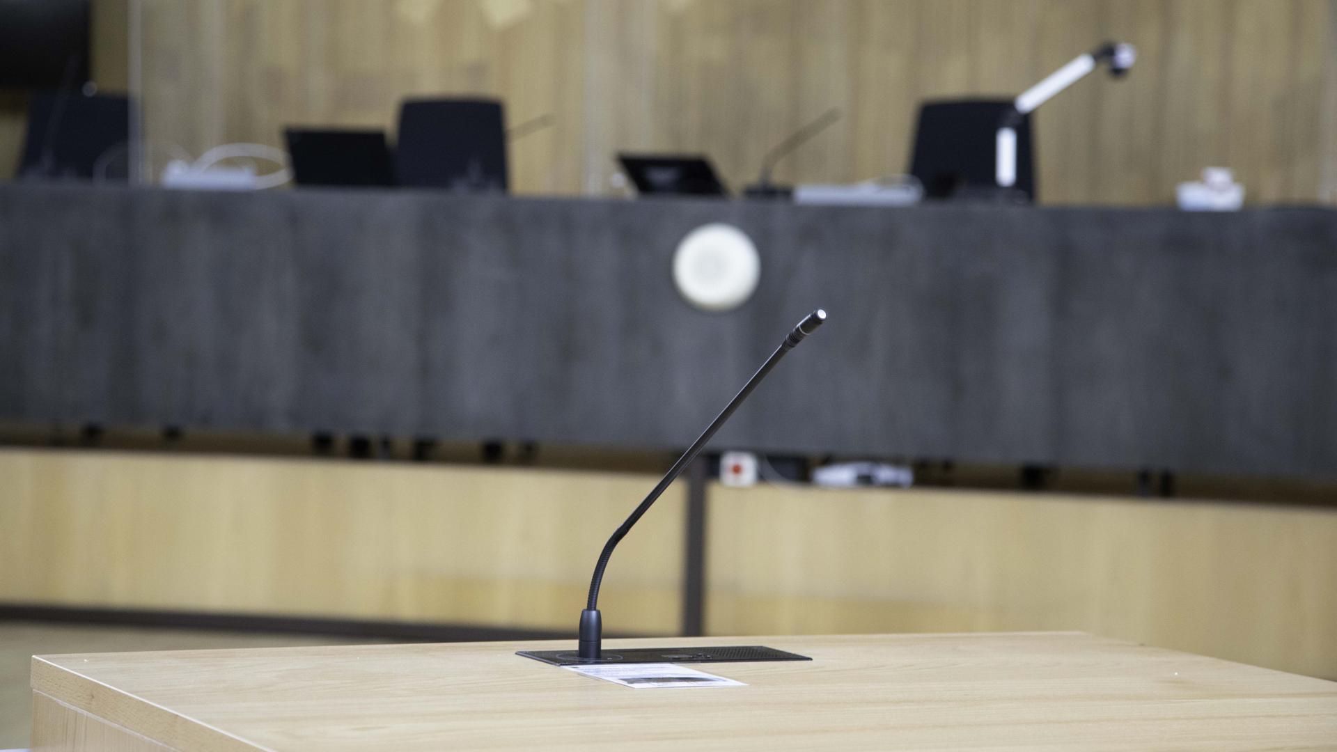 am ersten Verhandlungstag wurde kein Zeuge in den Zueugenstand gerufen.