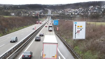 Übersichtsbild Autobahn A8 Pforzheim_Niefern_Brücke Raststätte Pforzheim3