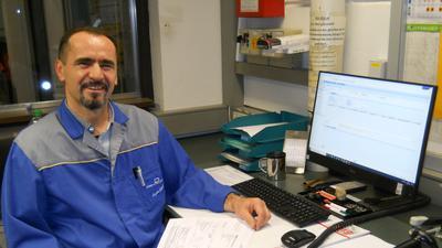 Mustafa Avni, stellvertretender Kostenstellenleiter Lager und Logistik bei Dentaurum