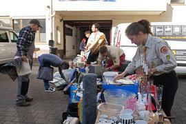 Reichhaltiges Angebot: über 100.000 Produkte hat die Volksmission für ihren Flohmarkt gesammelt und am Samstag unters Volk gebracht, um damit einen Teil zur Finanzierung des neuen Gemeindehauses beizutragen