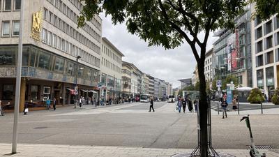 Fußgängerzone, Westliche ab Leo in Richtung Westen, Einzelhandel
