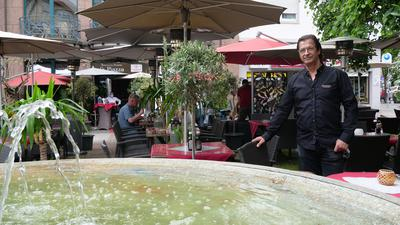 Norbert Kieselbach, Inhaber des Restaurants La Piazza, zeigt sich vorsichtig optimistisch, auch wenn der Weg zurück zur Normalität noch etwas Zeit in Anspruch nehmen wird