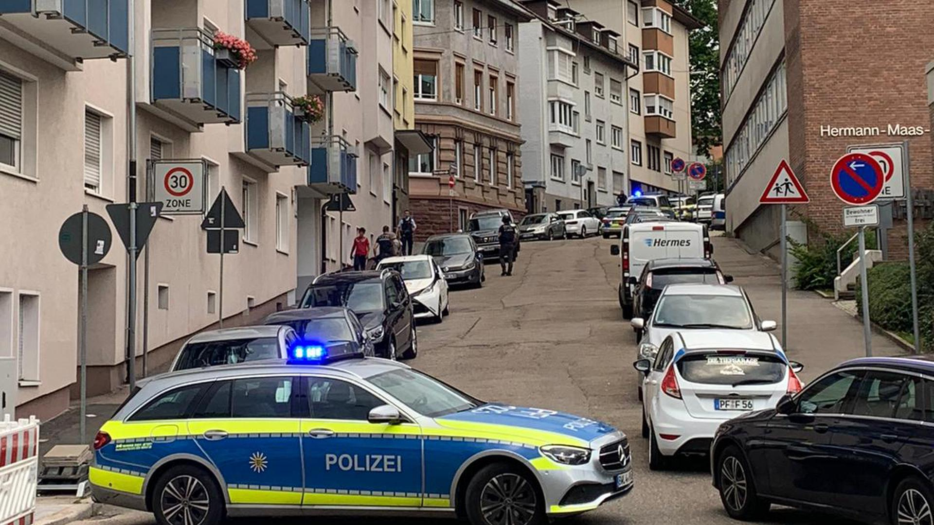 Polizeieinsatz in Pforzheim, Pestalozzistraße.
