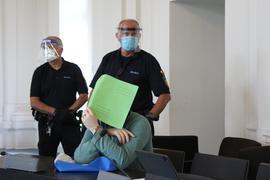 Das Urteil ist rechtskräftig: Der Fall um den getöteten Pforzheimer Schmuckhändler wird nicht neu aufgerollt. Der Bundesgerichtshof das die Revision des zu lebenslanger Haft verurteilten Edelsteinhändlers verworfen. Der 37-Jährige wurde vom Landgericht Karlsruhe im vergangenen August unter anderem wegen Mordes verurteilt.
