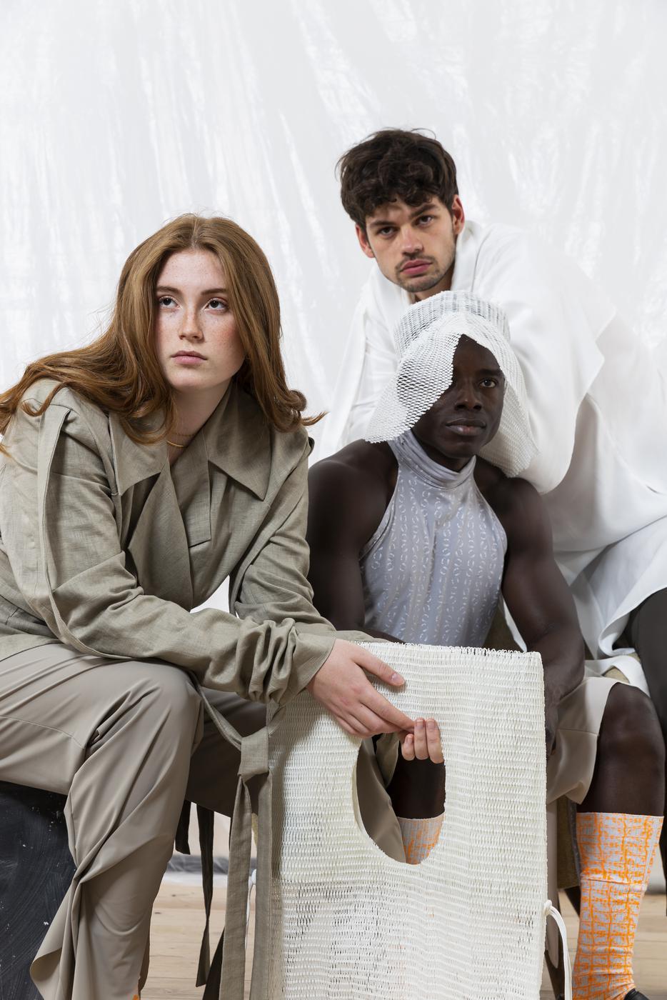 Alles abbaubar oder wiederverwertet: Studentin Eleonore Brive zeigt, dass Mode nachhaltig sein kann.