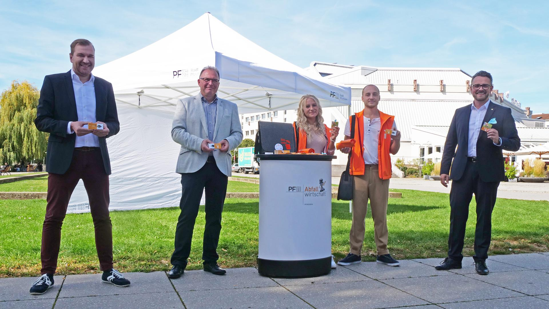 Positive Bilanz: Nach drei Monaten sind Michael von Rüden, Jürgen Förschler, Livia Hewig, Tarik Mais und Oberbürgermeister Peter Boch (von links) mit den Ergebnissen zufrieden