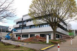 Zentrum für Präzisionstechnik in direkten Nachbarschaft zur Hochschule Pforzheim