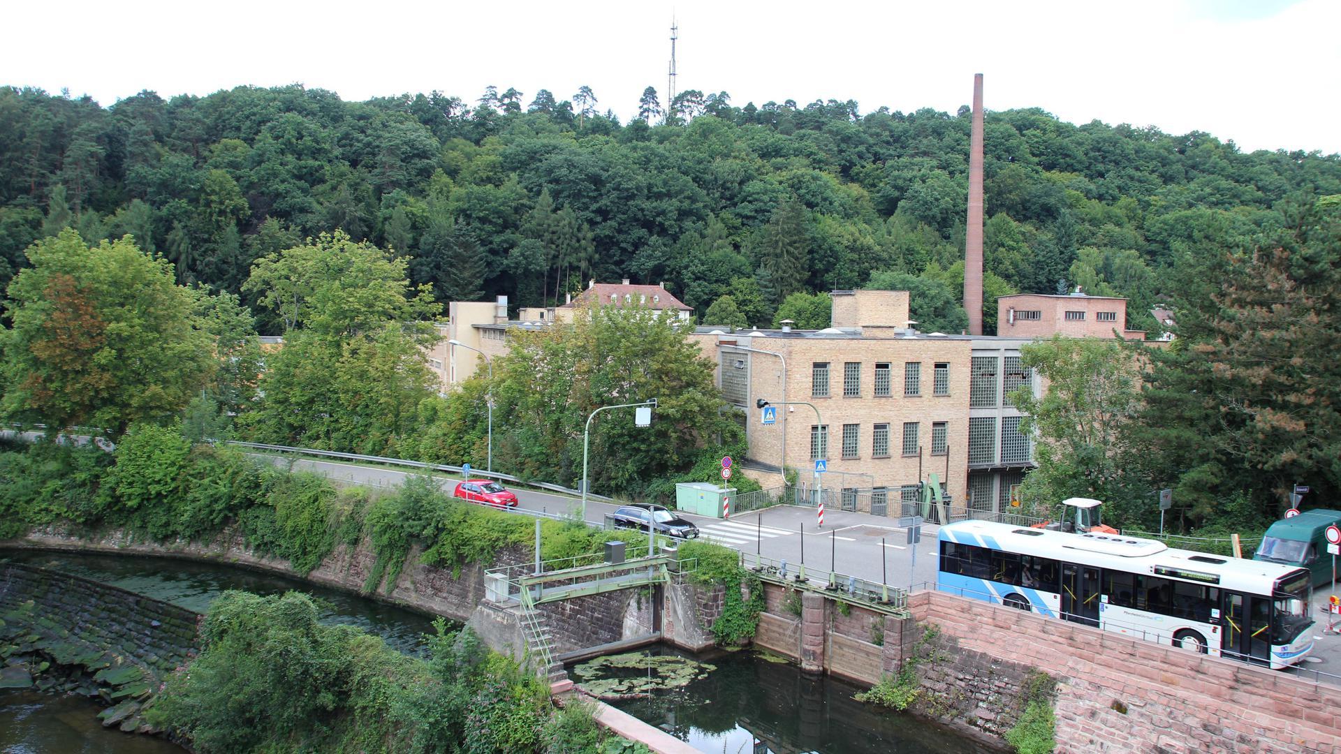 Gelände der Alten Papierfabrik in Dillweißenstein mit Nagold und Hirsauer Straße / B 456