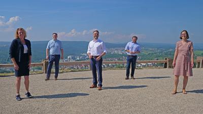 Gemeinsam die Zukunft der Region gestalten wollen Birgit Förster, Thomas Zeilmeier, Peter Boch, Martin Steiner und Daniela Arnolds (von links)