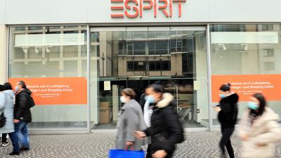 Bewegung in der City? Die Pforzheimer Filiale der Bekleidungskette Esprit am Leopoldplatz steht schon seit Monaten leer. Inzwischen soll das Gebäude für eine Nachnutzung verkauft worden sein.