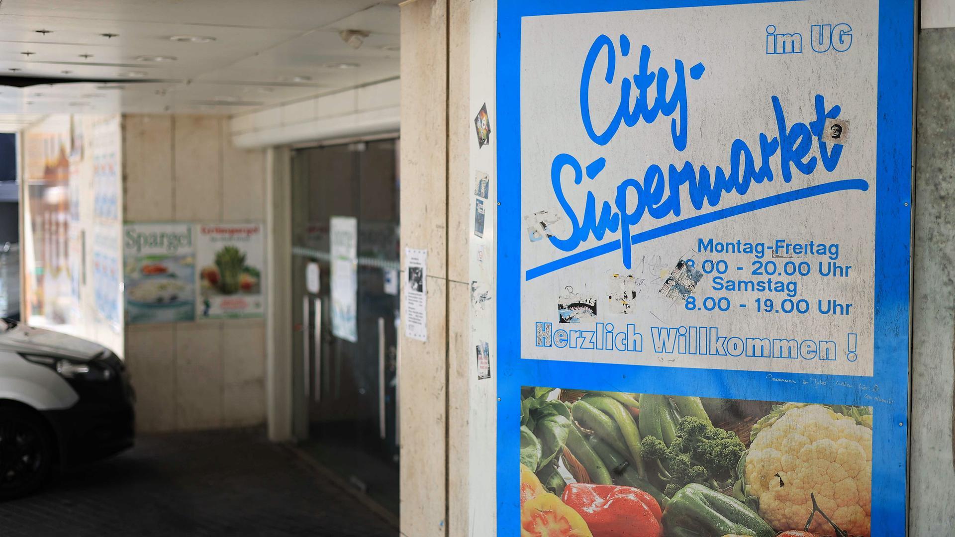 Siff in der City: Der Eingangsbereich des ehemaligen Sinn-Leffers-Gebäude wirkt wenig einladend.