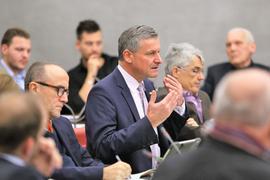 Hans-Ulrich Rülke (FDP) gestikuliert während eines Redebeitrags im Pforzheimer Gemeinderat