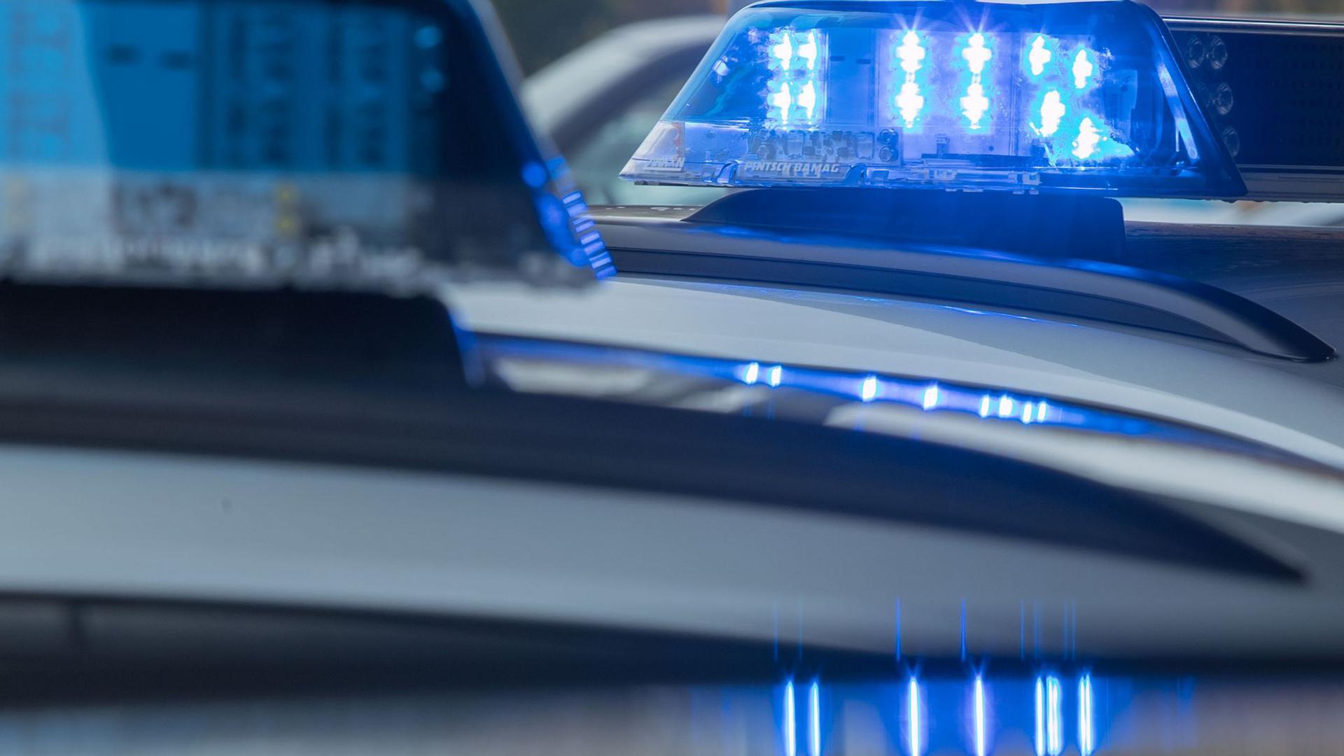 Autofahrer kollidiert mit Radfahrer in Pforzheim