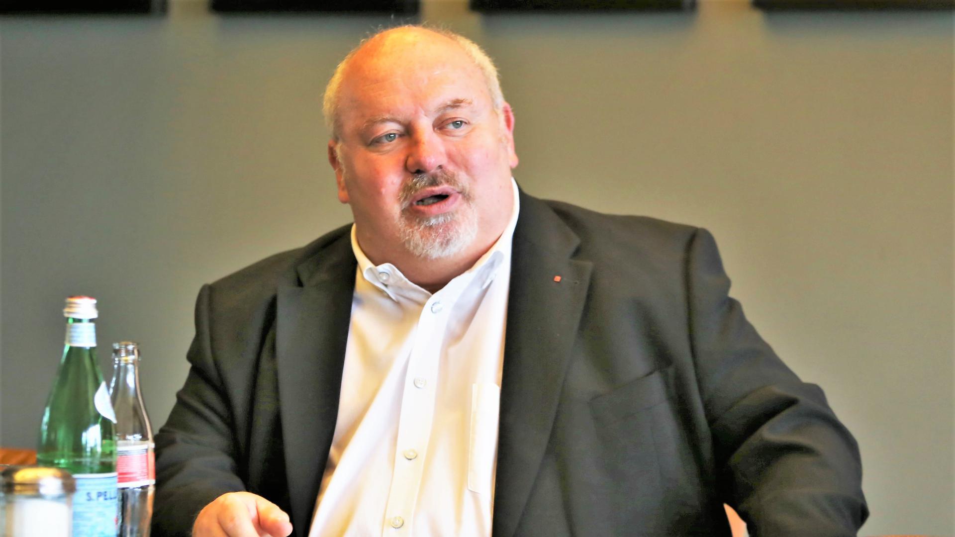 Ralf Fuhrmann, SPD Pforzheim, spricht bei einer Pressekonferenz im Juli 2020