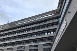 Die Fassade des Rathauses Pforzheim. In den Büros im Inneren ist deutlich weniger los als in Vor-Corona-Zeiten. Viele Mitarbeiter sind im Homeoffice.