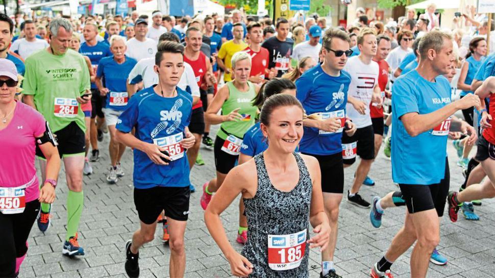Beim Citylauf in Pforzheim gehen jedes Jahr viele hundert Teilnehmer in mehreren Kategorien an den Start.