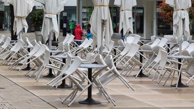 Stühle Außenbereich Pforzheim Eiscafe