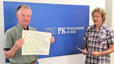 Naturschutzwart Gerhard Vögele und der Biologe Bernhard Landmesser beim Besuch im Konferenzraum des Pforzheimer Kuriers.