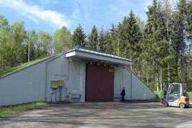 Ein Bunker steht in einem Munitionsdepot der Bundeswehr