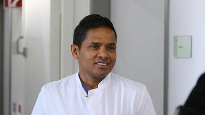 Chefarzt Thushira Weerawarna