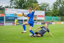 Foto: Simone Kochanek; Bruchsal; DEU; 22.08.2021; Fussball, DFB-Pokal Frauen: Karsruher SC - 1. FFC Niederkirchen; rechts: Natalie Klupp (1. FFC Niederkirchen, #23), links: Pia Zuefle (Karlsruher SC, #6)