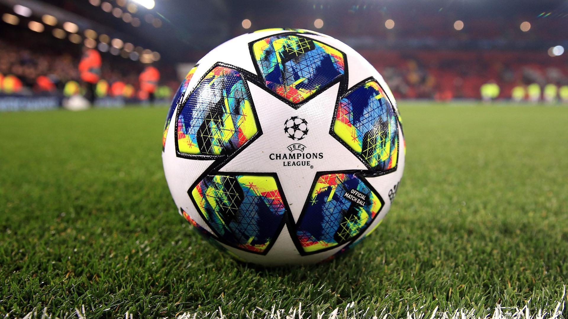 In der zweiten Hälfte des Jahres 2020 wird auch in der Champions League viel der Ball rollen.