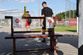Bitte hier Hände desinfizieren_Härtersportpark FC Nöttingen
