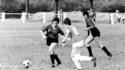 12.10.2020 zu Besuch in der Redaktion: Fußballerinnen (Historisch)