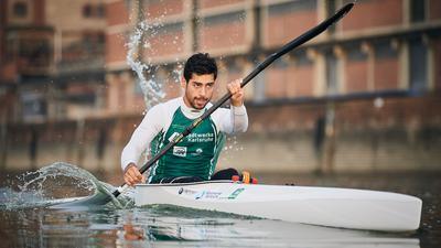 Saeid Fazloula (Rheinbrueder Karlsruhe), beim Training am Morgen im Karlsruher Rheinhafen.