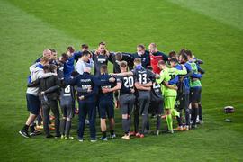 Teamkreis KSC nach dem Spiel und dem enttaeuschenden Unentschieden  GES/ Fussball/ 2. Bundesliga: Karlsruher SC - Wuerzburger Kickers, 23.04.2021  Football / Soccer: 2nd League: Karlsruher SC vs Wuerzburger Kickers, Karlsruhe, April 23, 2021