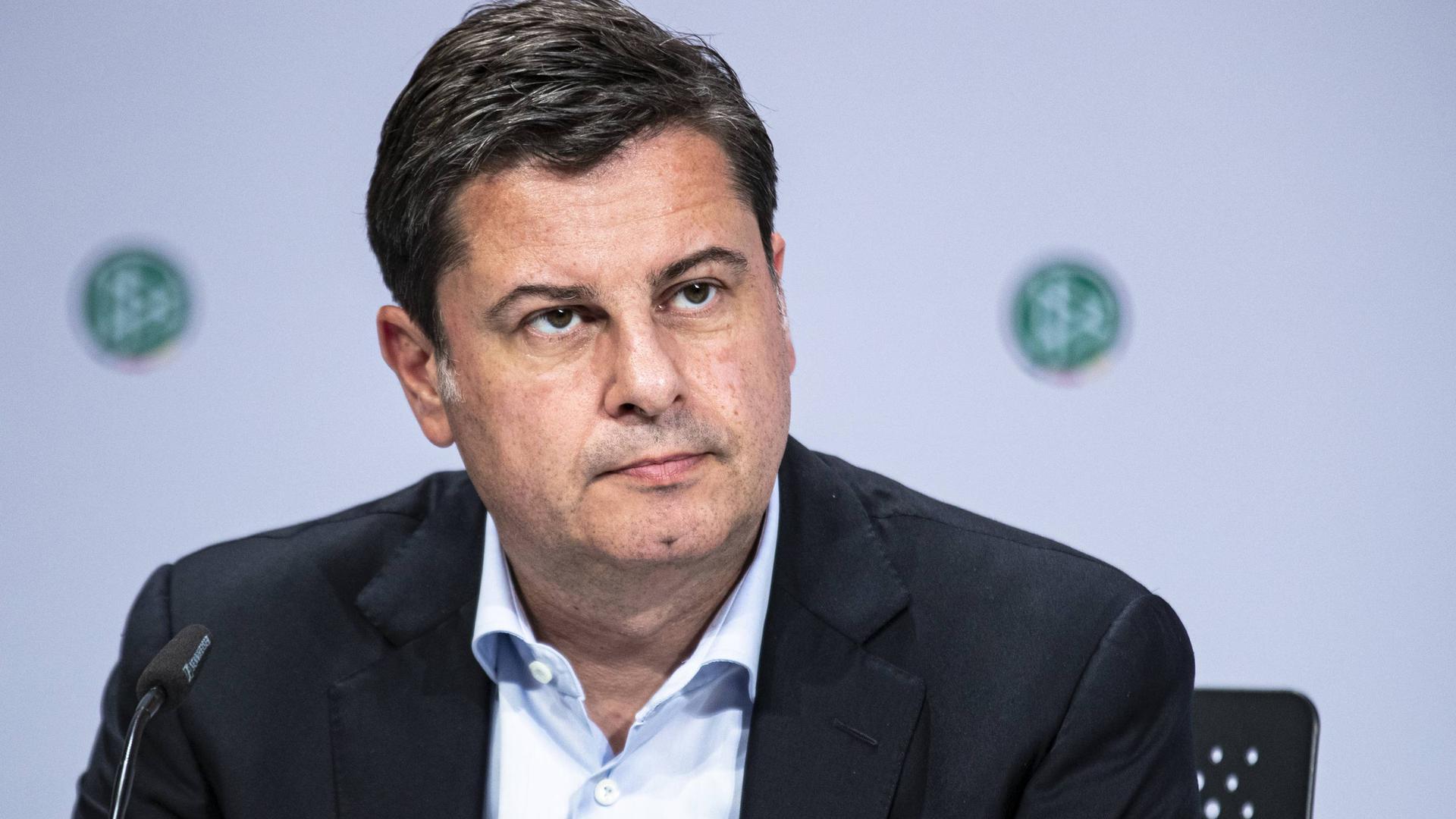 Christian Seifert, DFL-Geschäftsführer, sieht in der gesundheitlichen Situation die oberste Priorität des Profifußballs.