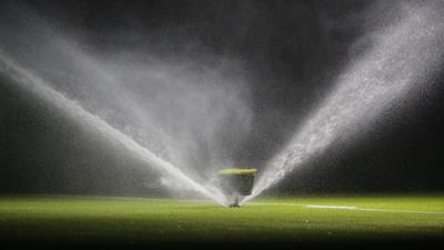 SOCCER - UEFA CL, Bayern vs Madrid MUNICH,GERMANY,25.APR.18 - SOCCER - UEFA Champions League, semifinal, FC Bayern Muenchen vs Real Madrid CF. Image shows a feature with a lawn sprinkler. PUBLICATIONxINxGERxHUNxONLY GEPAxpictures/xThomasxBachun