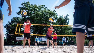 Training des SSC- Nachwuchses auf dem Beach21 des SSC Karlsruhe.  GES/ Beachvolleyball, Baden Volleys, Nachwuchs, 22.07.2020